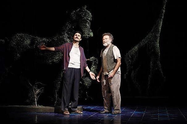 Today we celebrate Rajiv Joseph's Bengal Tiger at the Baghdad Zoo, which opened on Broadway seven years ago today, directed by @moiseskaufman. 📷: Carol Rosegg