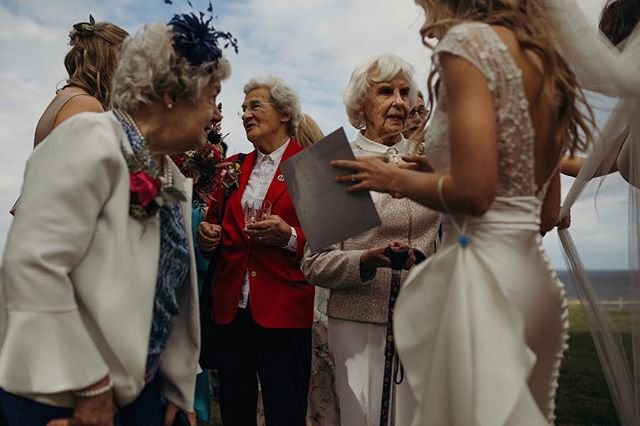 Elegance never goes out of style. 😎 ⠀⠀⠀⠀⠀⠀⠀⠀⠀ #weddingparty #girlgang #bridegoals #goldengirls #ukwedding #londonwedding #ukweddingphotographer #scottishwedding #destinationweddingphotographer #bridetobe2019 #bridetobe2020 #weddinggoals #weddingdressinspo #laceweddingdress #dirtybootsandmessyhair