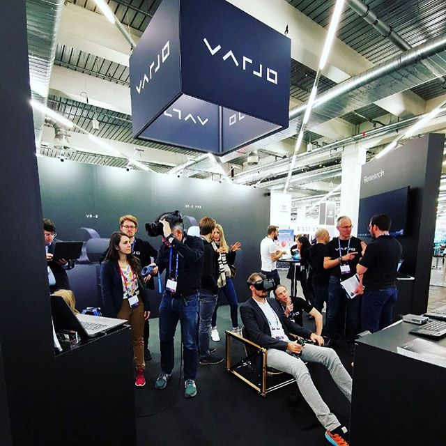 🥽✈️🛋 Varjo Vr 2 & Mekaniko simulator chair . . . #simulator #chair #mekaniko #mekanikochair #simulatorchair #aweurope #varjo #varjovr #virtualreality #nordicdesign