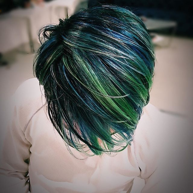 Out of this world 🌎  #dimensionalblue #nychairstylist #vividcolor #pinkhair #bluehair #blue #ombrehair #tricolor #foxandjane #fekkai #nycsalon #pulsd #newyorkcity #malestylist #creative #creativecolor #bluehair
