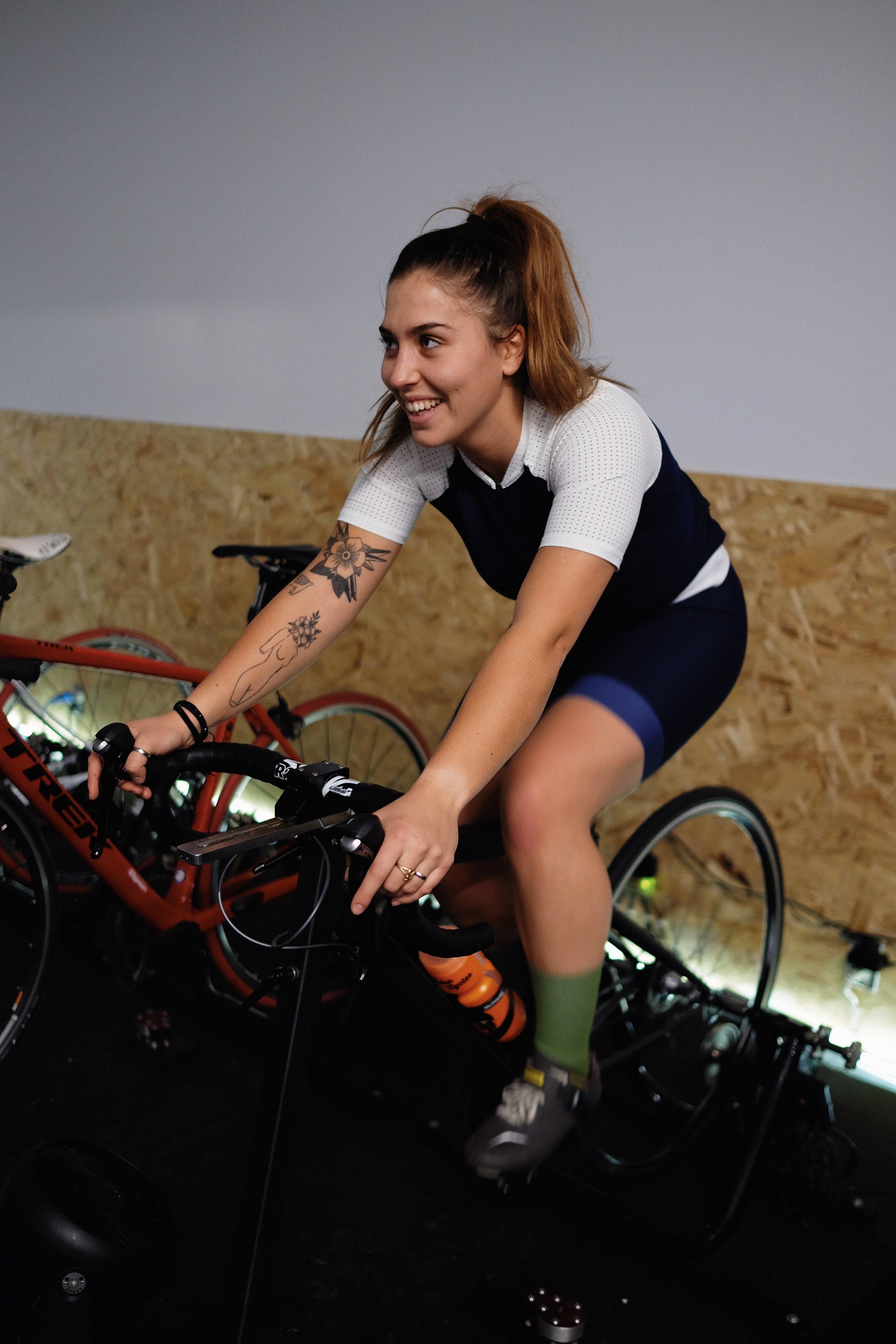 Gabrielle Simoneau   Très impliquée dans la communauté cycliste de vélo de montagne, Gabrielle est une leader dans tout ce qu'elle entreprend. Son expérience dans les événements cyclistes seront certainement un atout autant pour rassembler les gens que pour ouvrir la voie.    Strava       Instagram
