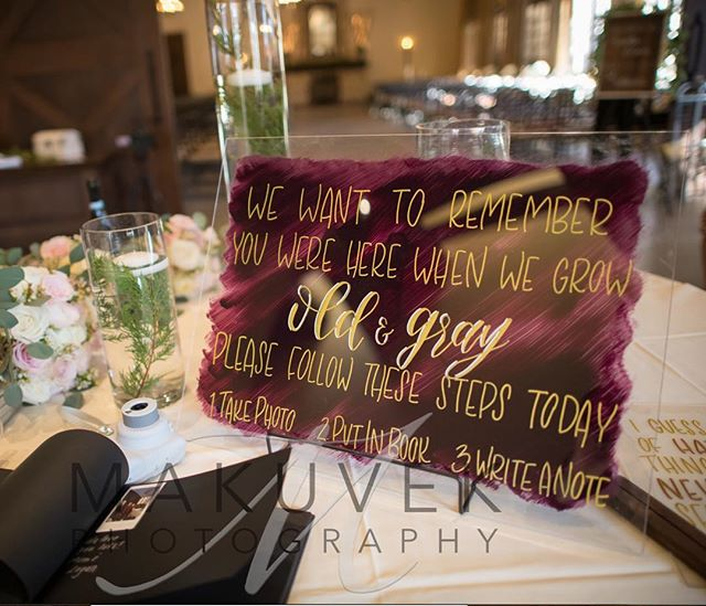 I think acrylic might be my new obsession 😍 What's your favorite sign medium? • • • #weddingsigns #weddingdecor #handlettering #custom #wedding #seventeenthstdesigns #makersgonnamake
