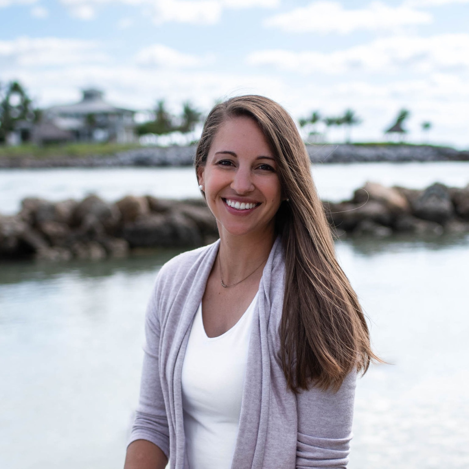 I'm a Chicagoland native based out of Jupiter, Florida. I'd love to work with you to create a website that you'll love and be proud to share. Whether you have an established business already or are just getting started, I'm here to build you a website that meets all of your needs. - -Lauren