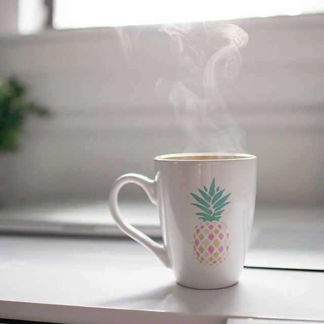 It may be 90+ degrees here in Florida, but I still take my coffee hot ☕️. Hope everyone is having a productive Monday! • • • • #squarespacewebdesign #squarespace #freelance #workfromhome #mondaymotivation #mondaymood