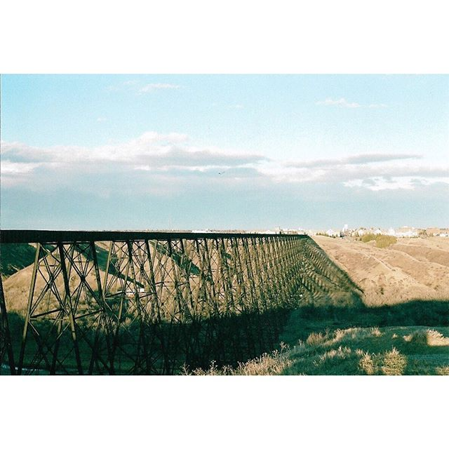 Don't forget to take advantage of our complementary wagon ride with admission and learn some of the history behind Lethbridge's very own High Level Bridge 🚂 (fun fact this is an old school #35mm film picture taken by one of our very own)📷 • • • #yql #fortwhoopup #fortmuseum #travelalberta #travelcanada #explorealberta #explorecanada #wagonride #familytime @tourismlethbridge