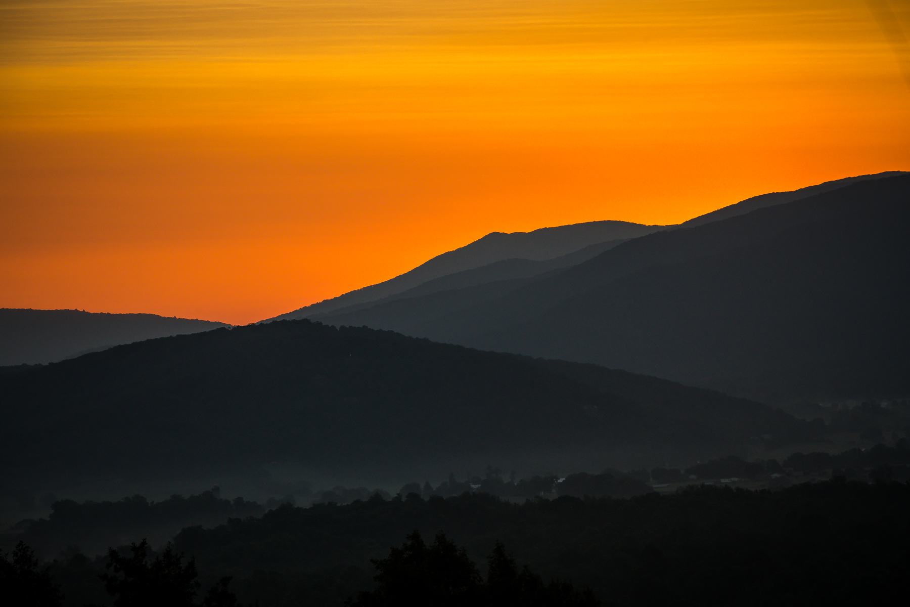Mountain sunset at Shenandoah Woods Wedding, Virginia
