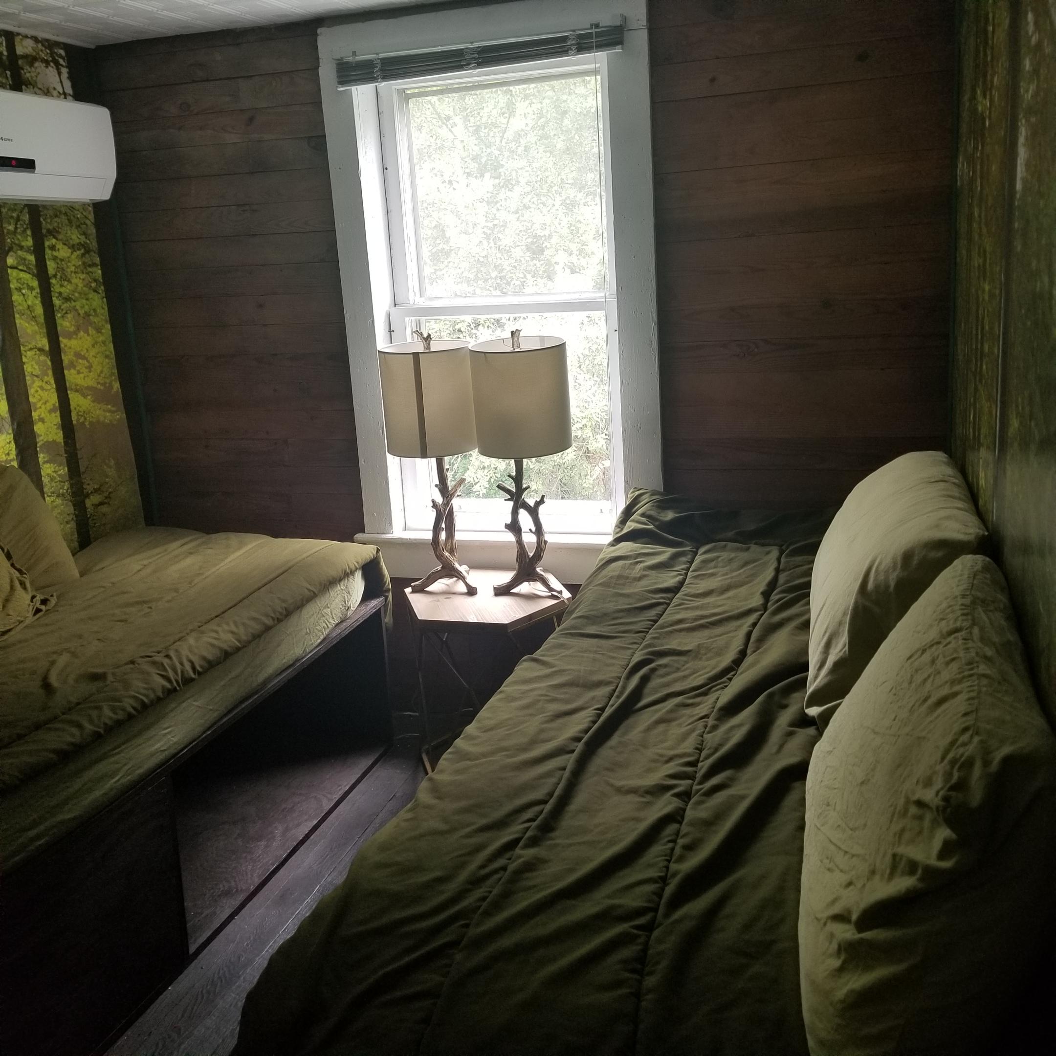 River bedroom 3.jpg