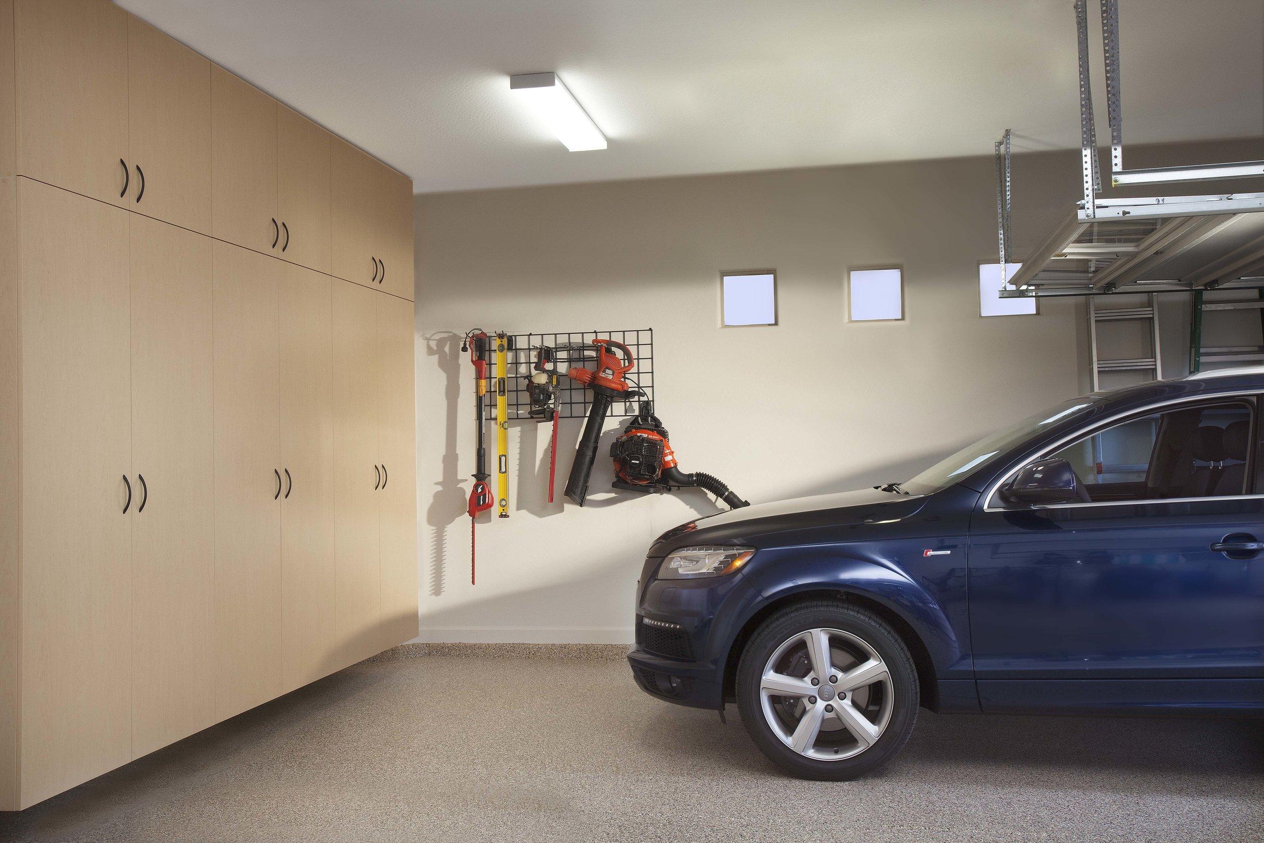 Maple Extra Tall Cabinets-Blue SUV-Large Tool Grid-Sedona Floor-July 2012.jpg