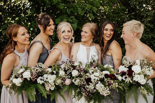 Happy September! This month kicks off the busiest time of year. Fall is the new busy season around here, anyone else in the same boat? Back to back weddings are much easier with this cooler weather😉 Meanwhile, enjoy this stunning girl gang from Kristin + Nate's beautiful day! . . . Vendor Team: Coordination: @evergreenweddings  Photography: @kianagrantphotography  Venue: @creeksidefarmwedevents  Floral: @artemisiastudiosmn  Wedding Gown: @aandbe_bridalshop  Hair and Makeup: @linneadanger  Dessert: @amyscupcakeshoppe and @muddypawscheesecake  Catering: @abritincatering  DJ: @instantrequestdj
