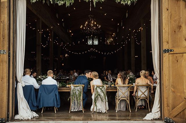 There's a special place in my heart for my Day of and Month of Coordination clients. They pour all their efforts into planning the best day and I get to come in and make their vision come to life while they relax and enjoy it. If you ask me, Coordination is essential // NOW BOOKING 2020 . . . Vendor Team: Coordination: @evergreenweddings  Photography: @kianagrantphotography  Venue: @creeksidefarmwedevents  Floral: @artemisiastudiosmn  Wedding Gown: @aandbe_bridalshop  Hair and Makeup: @linneadanger  Dessert: @amyscupcakeshoppe and @muddypawscheesecake  Catering: @abritincatering  DJ: @instantrequestdj