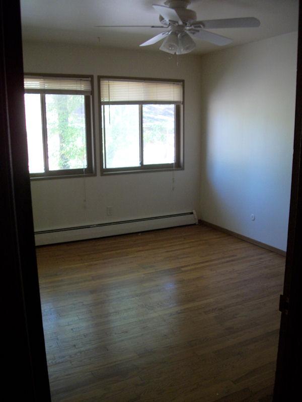 Bedroom (rs).jpg