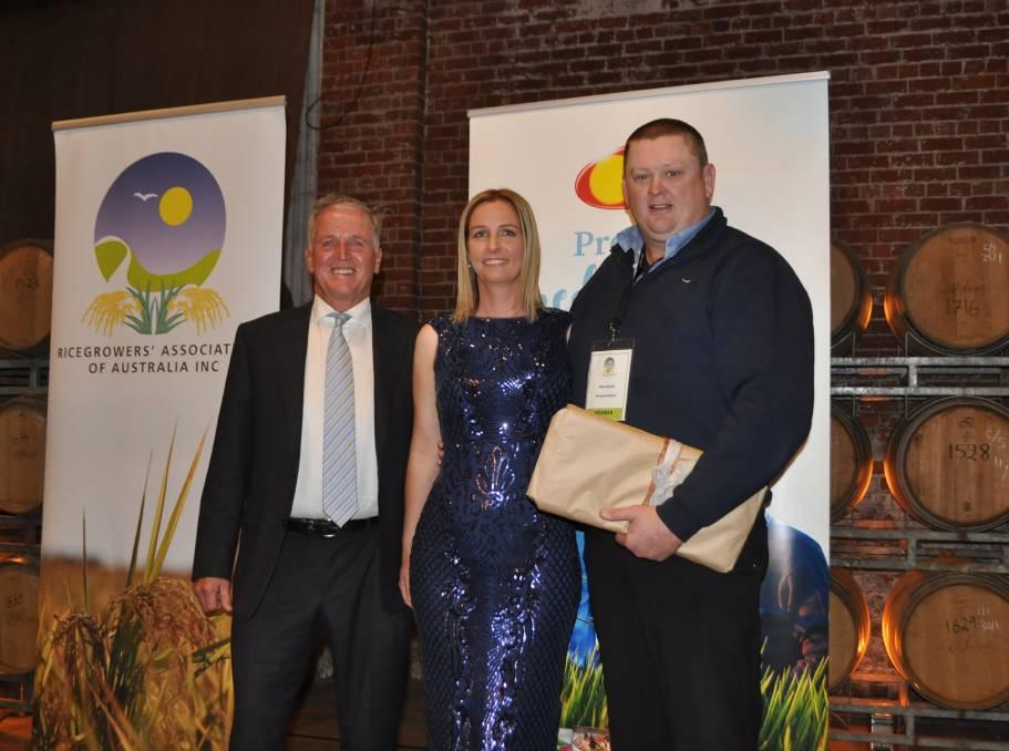 SunRice Chairman Laurie Arthur, 2019 Grower of the Yea Renee & Peter Burke