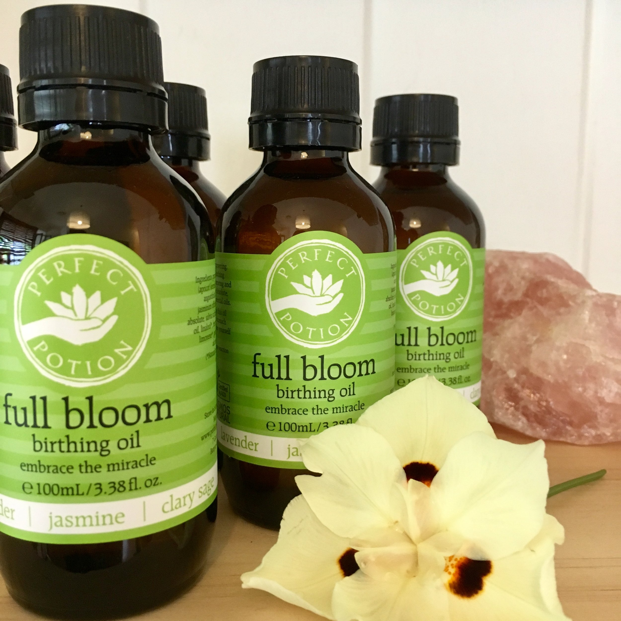 Full Bloom Pregnancy Nurture Package - For mothers nearing the end of their pregnancy.Package includes:1 x 1 hour or 90 minute Pregnancy Massage (optional 90min Induction / Birth Prep Massage)1 x 100mL bottle of certified organic Full Bloom Birthing Oil from Perfect Potion