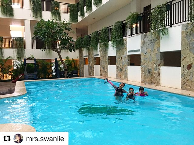 "#Repost from @mrs.swanlie - ""Nice place - Homey - Recommended🌟 💞"" . . Thankyou @mrs.swanlie for your kind review 😊 We hope you enjoyed your stay at Dwijaya House. We're so happy for the opportunity to give you our best services! Hope to see you soon 👏🏻👏🏻"