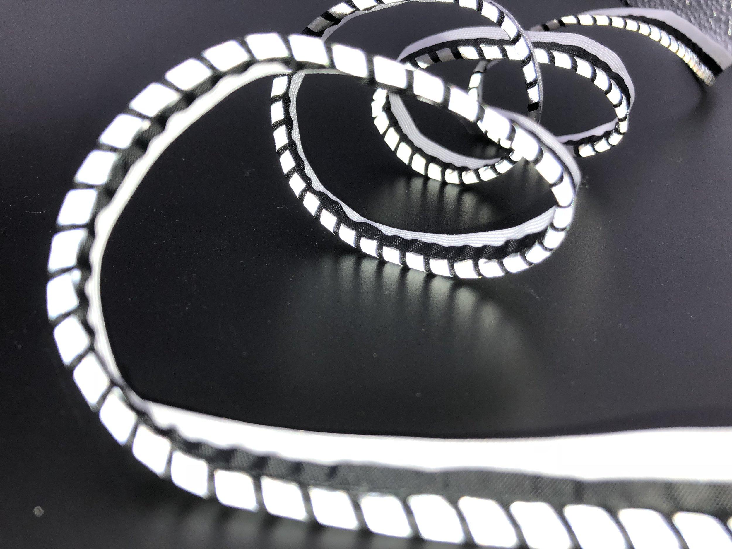 Copy of Segmented reflective piping - flash