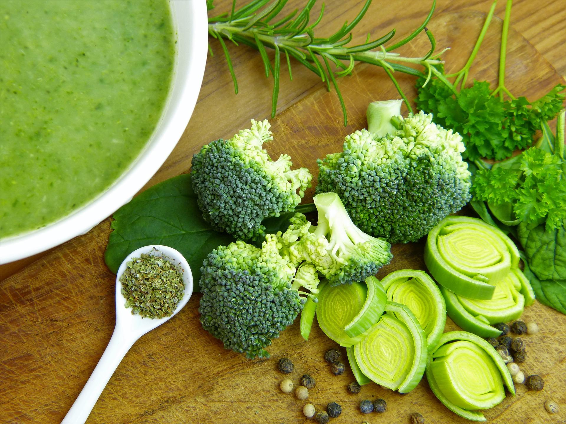 broccoli-and-kale-superfood-soup