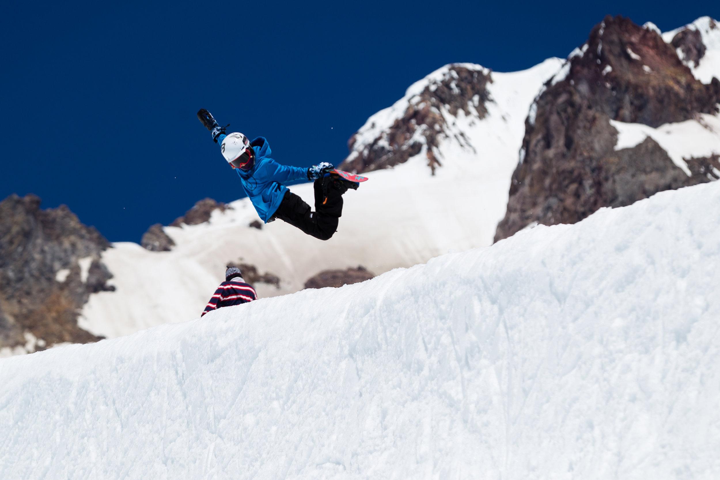 Snowboarding_CampersOnHill_TylerBenton-1.jpg