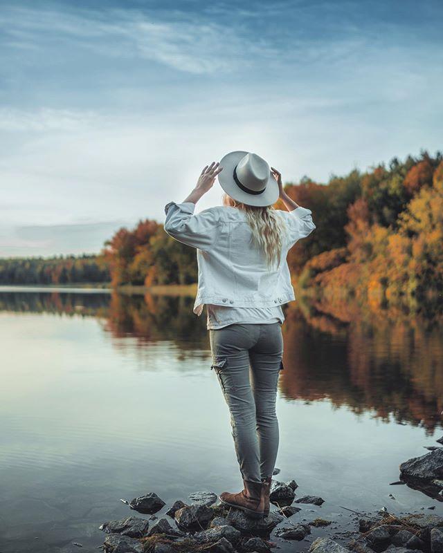 Autumn is beautiful 🍂 @claudiamartel . . . . .  #HypeBeast #vscoportrait #ig_mood #discoverportrait #portraitphotography #profile_vision #bleachmyfilm #postmoreportraits #portraitpage #igpodium_portraits #portraiture #makeportraits #ftwotw #makeportraitsnotwar #quietthechaos #makeportraitsmag #expofilm #humaneffect #portrait_perfection #agameofportraits #pursuitofportraits #portraitisreligion #peopleinframe  #sonyimages #sonyalpha #sonyalphasclub #sonyphotogallery #gosselinphoto #bealpha