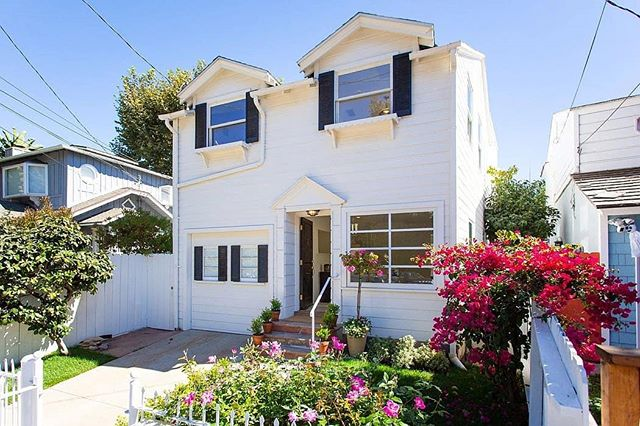 New month, new Escrow! And I can finally say: location, location, location. This charming Santa Monica home has views of the ocean and is just a few minutes walk to the beach. Working towards a successful close so I can invite myself over as an overnight guest. 🏖️🏠