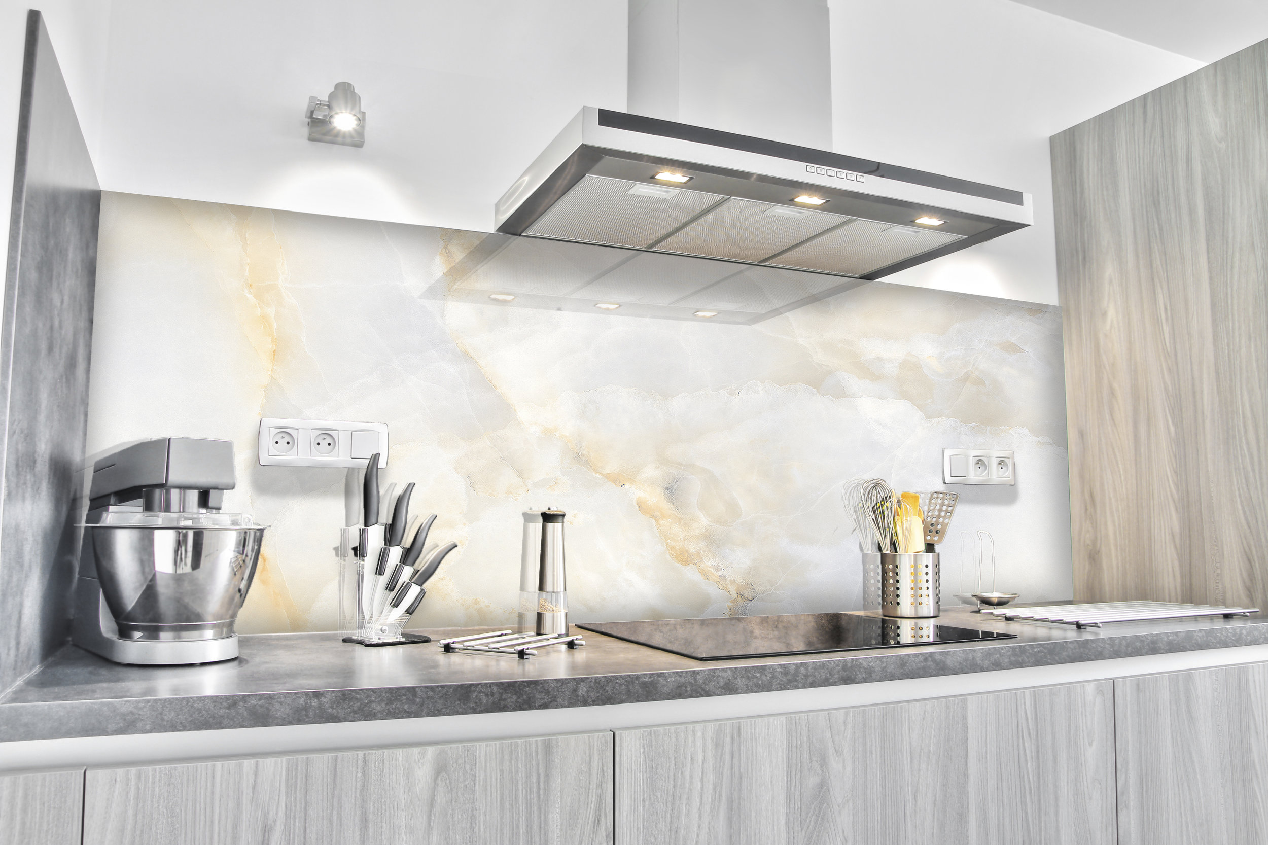 Whitegold_Splashbacks_Kitchen-1046x785_.jpg