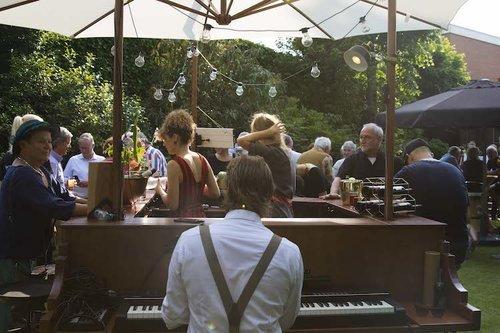 The Piano Bar - Inhuren - (Bedrijfs)feesten en Bruiloften
