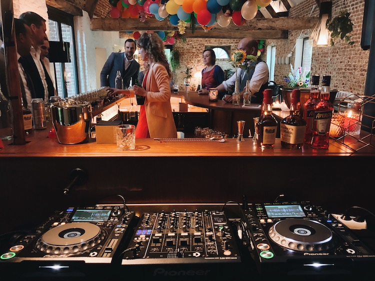 DJ op je feest | The Piano Bar
