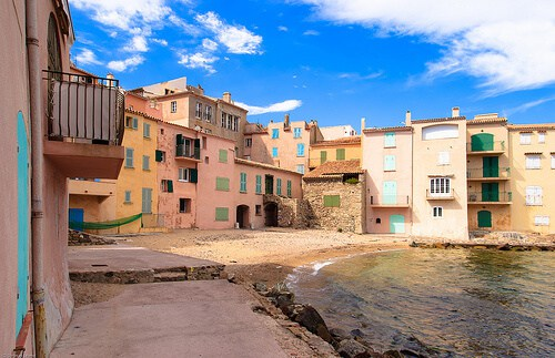 Ultimate Guide to Visit Saint Tropez like a Local - Plage de la Ponche Saint Tropez