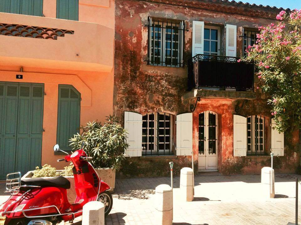 Ultimate Guide to Visit Saint Tropez like a Local - Saint Tropez Streets - Rues de Saint Tropez