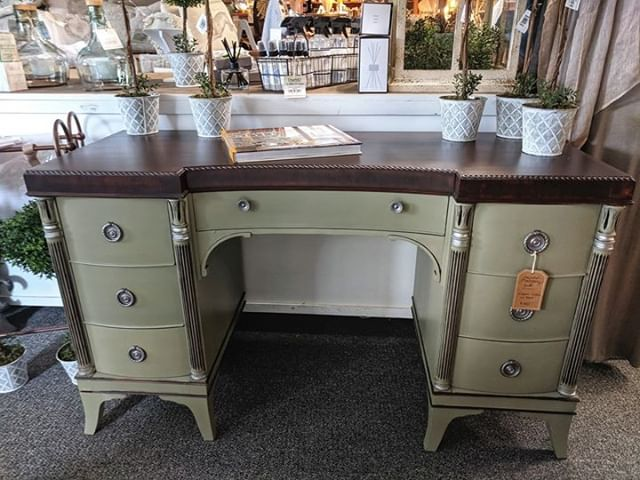 We are in love with the details of this painted Mahogany Desk @NestintheVillage