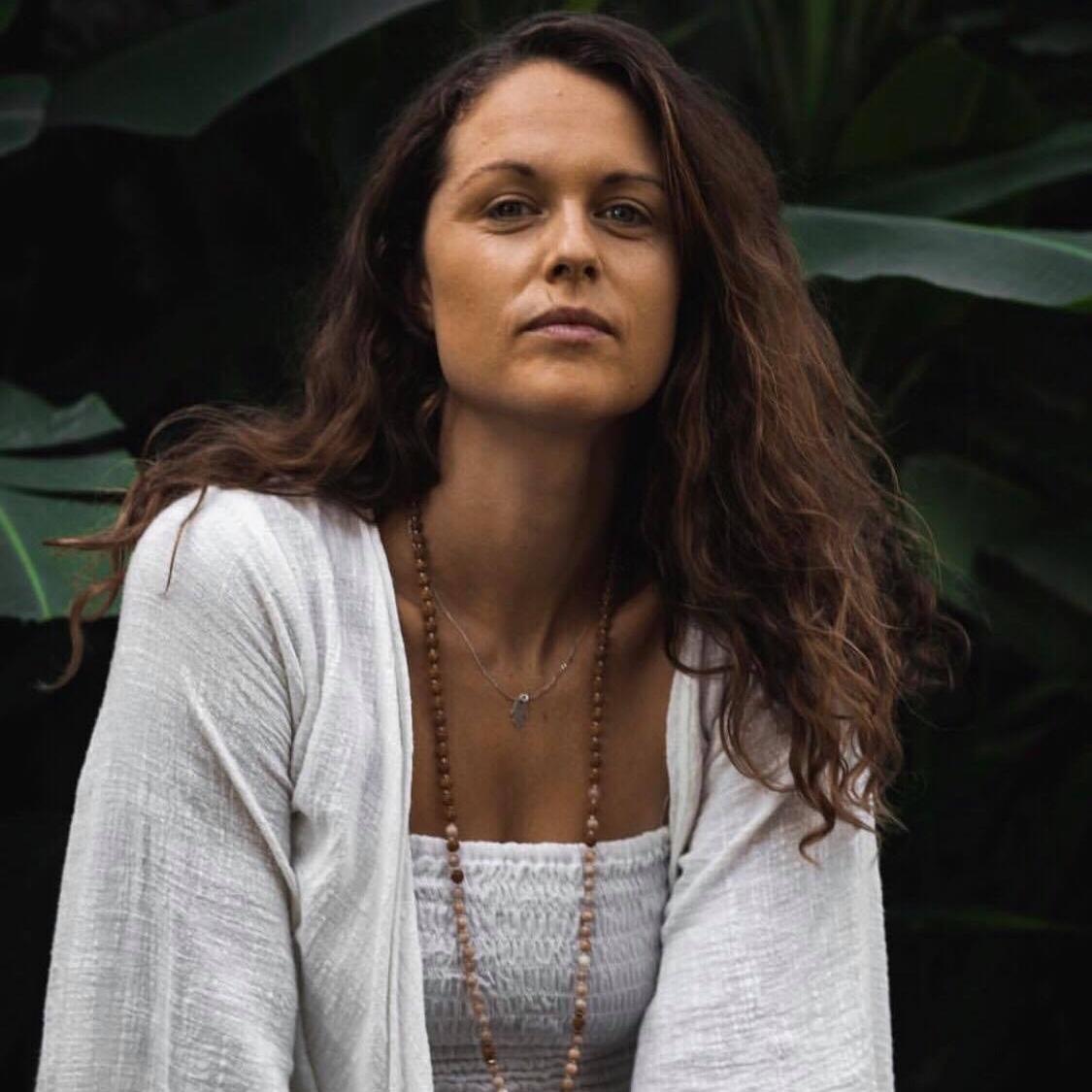 ELLEN ARTHUR - BALI  Yoga | Bhakti