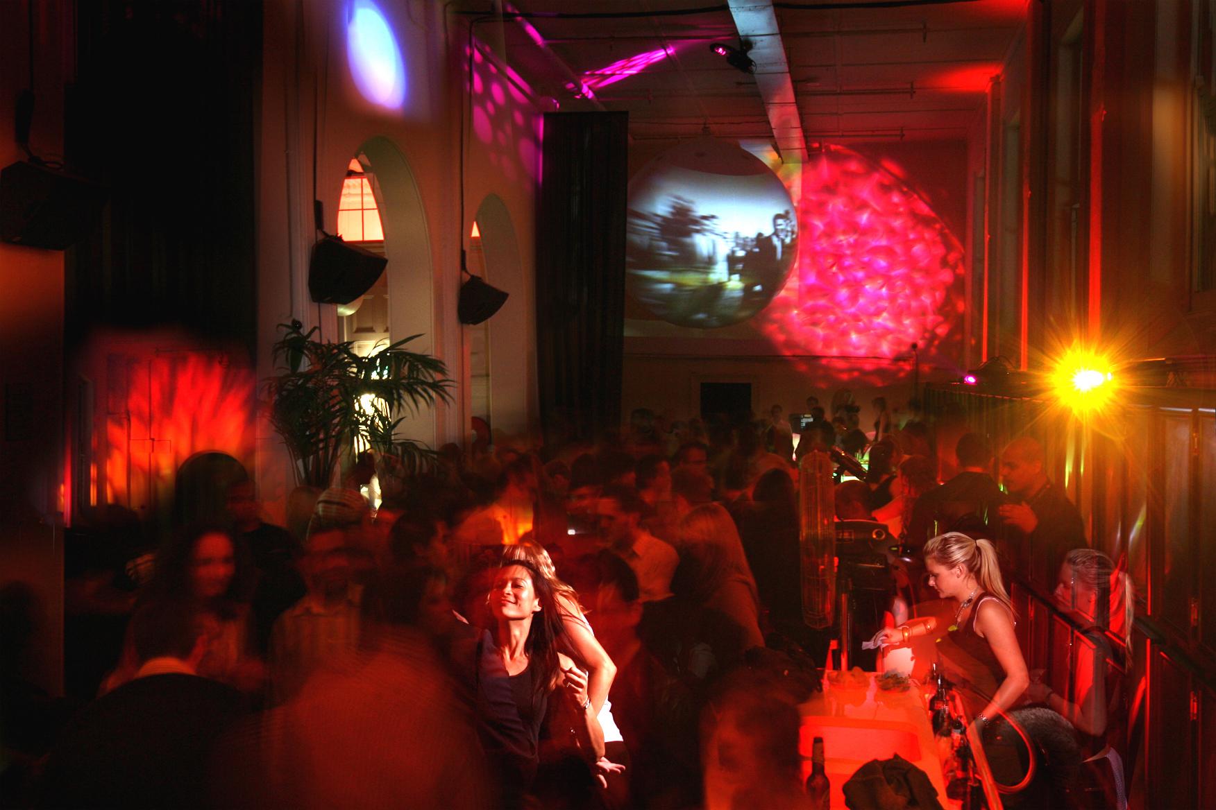 studiodannyvenlet_publicspaces_musicroom_2.jpg