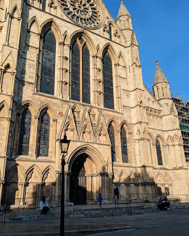 Beautiful day out in York last week taking a choir rehearsal for @olivshot 🌞
