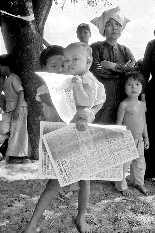 8-portraitsofvietnam-child.jpg