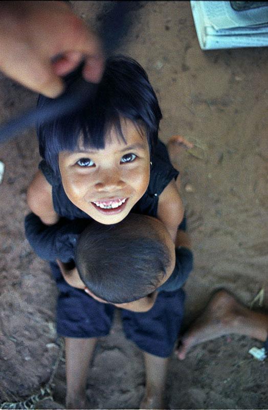 22-portraitsofvietnam-upside.jpg