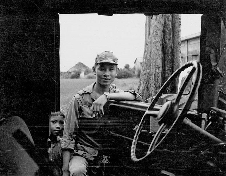 1-portraitsofvietnam-truck-door.jpg