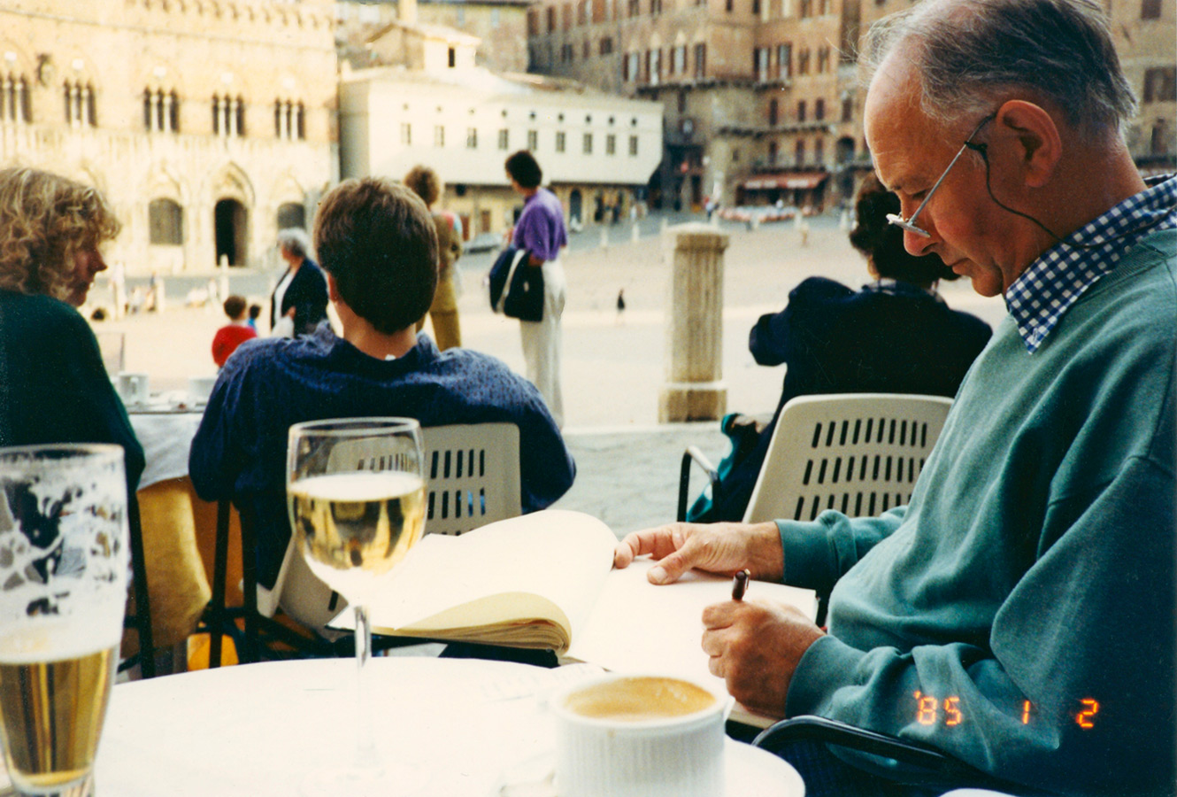 Brian drawing the Palazzo Publico. Sienna 1990.