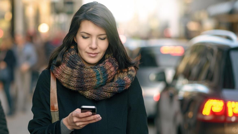 Digitale Gyn-Praxis: Das wünschen sich Patientinnen - Das Smartphone hat sich zum zentralen Mittelpunkt des digitalen Alltags etabliert: Kaum jemand, der nicht in Bus, Bahn oder auch im Wartezimmer auf sein Handy schaut. Dabei geht es längst nicht mehr nur um den Austausch mit Freunden.Best Practices aus der bisherigen Erfahrung von medflex-Nutzern
