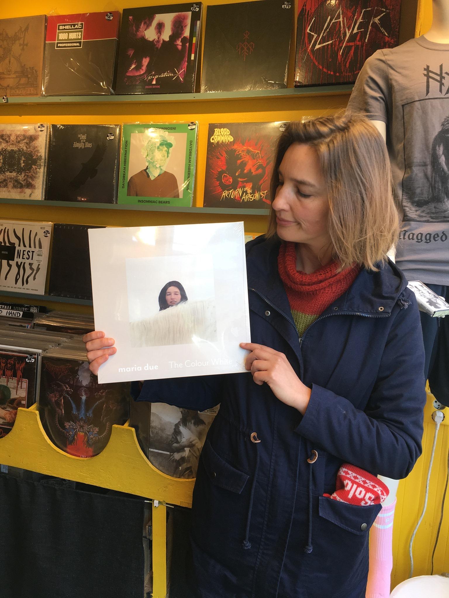 Maria Due with her album «The colour white» at Tiger platebutikk, Oslo.