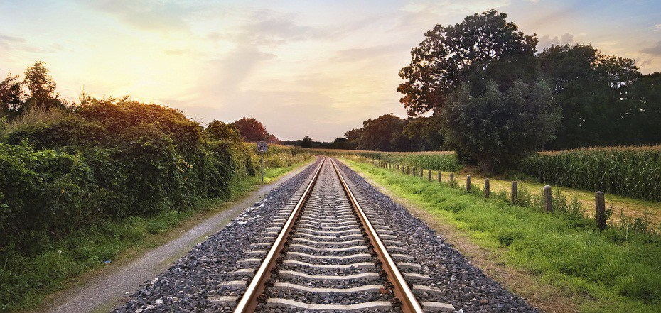 TrainTracksPhoto1.jpg
