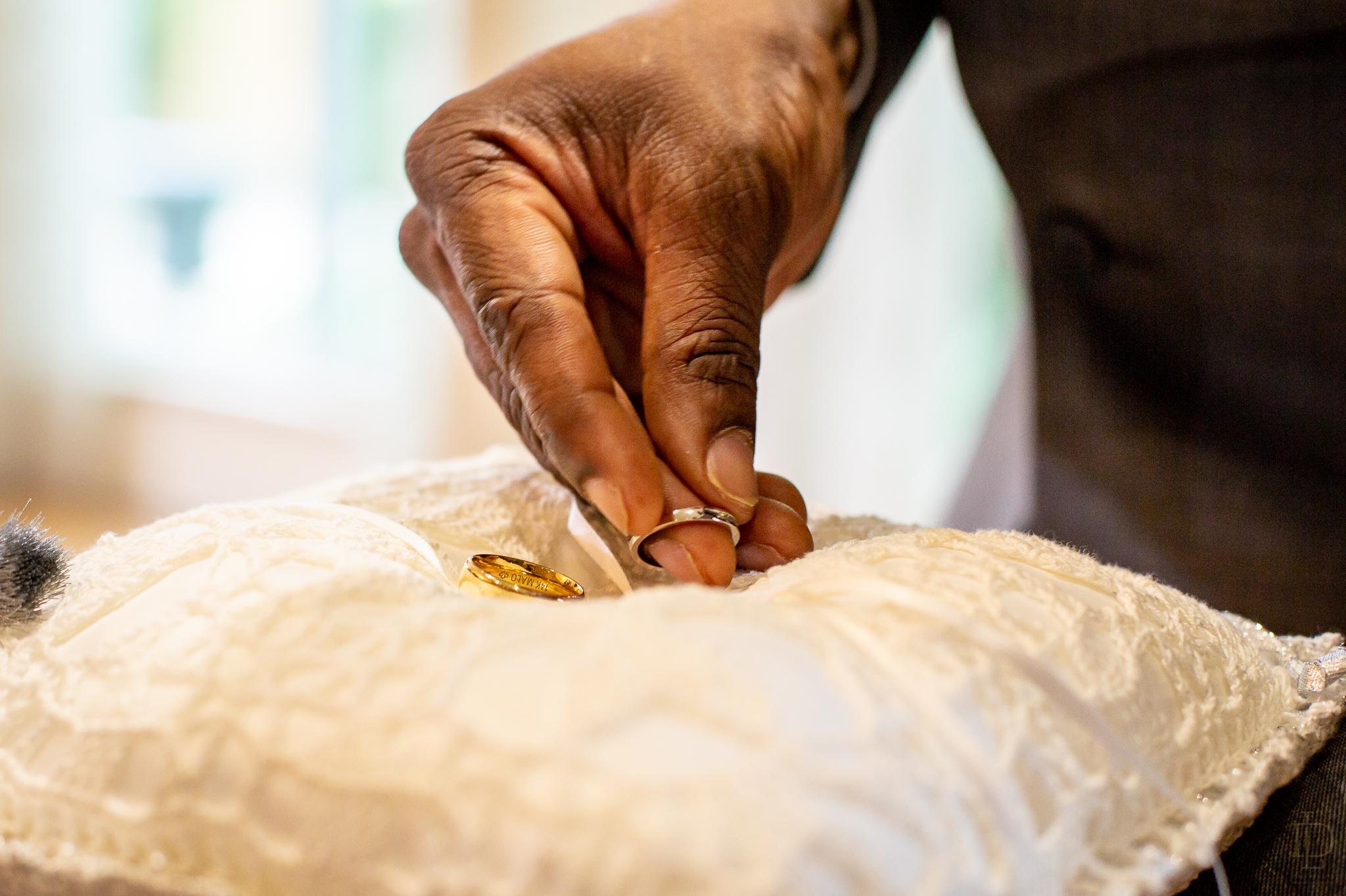 toronto-wedding-photograper-27.jpg