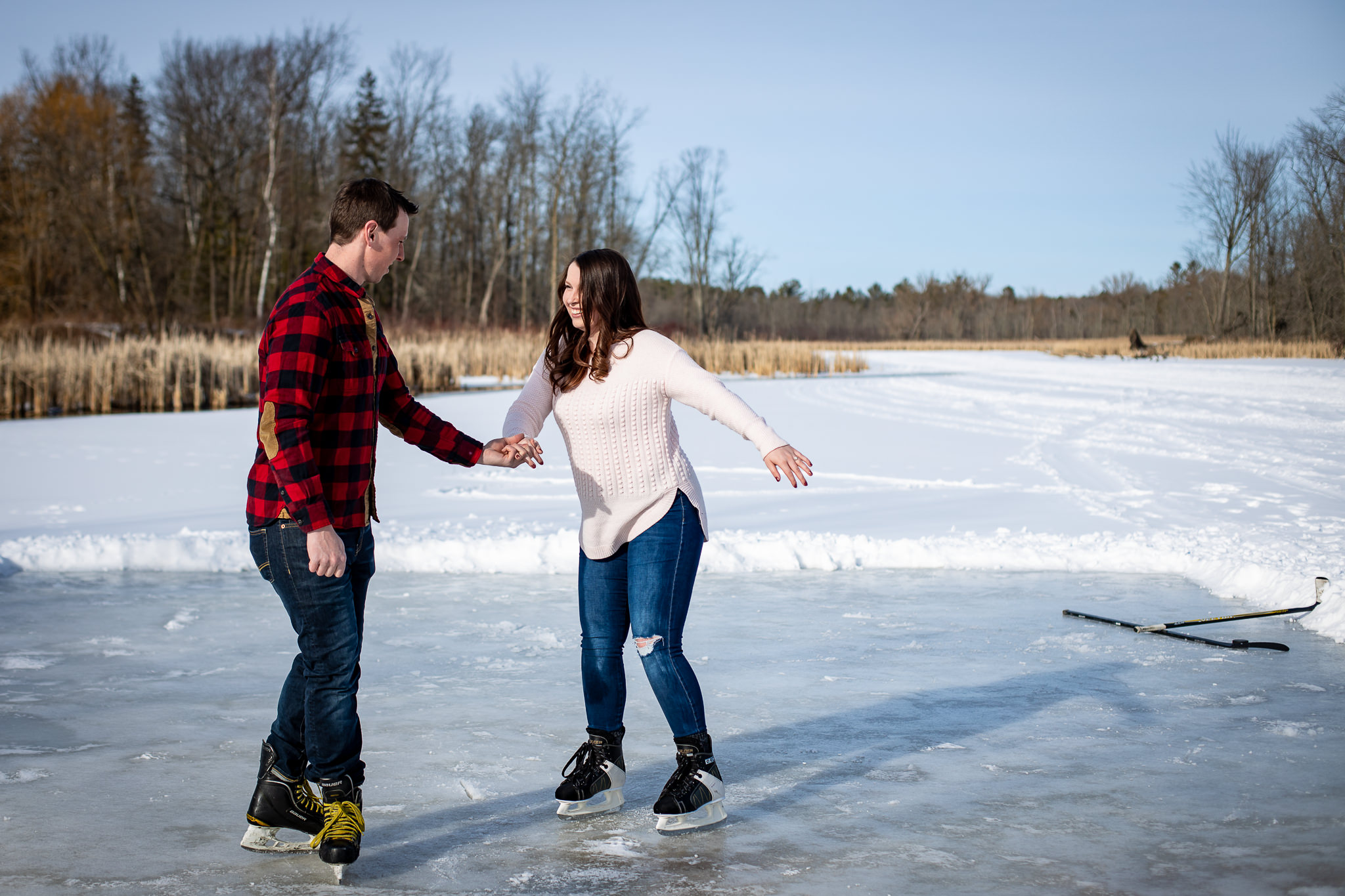 ice-skating-hockey-engagement-photos-1.jpg