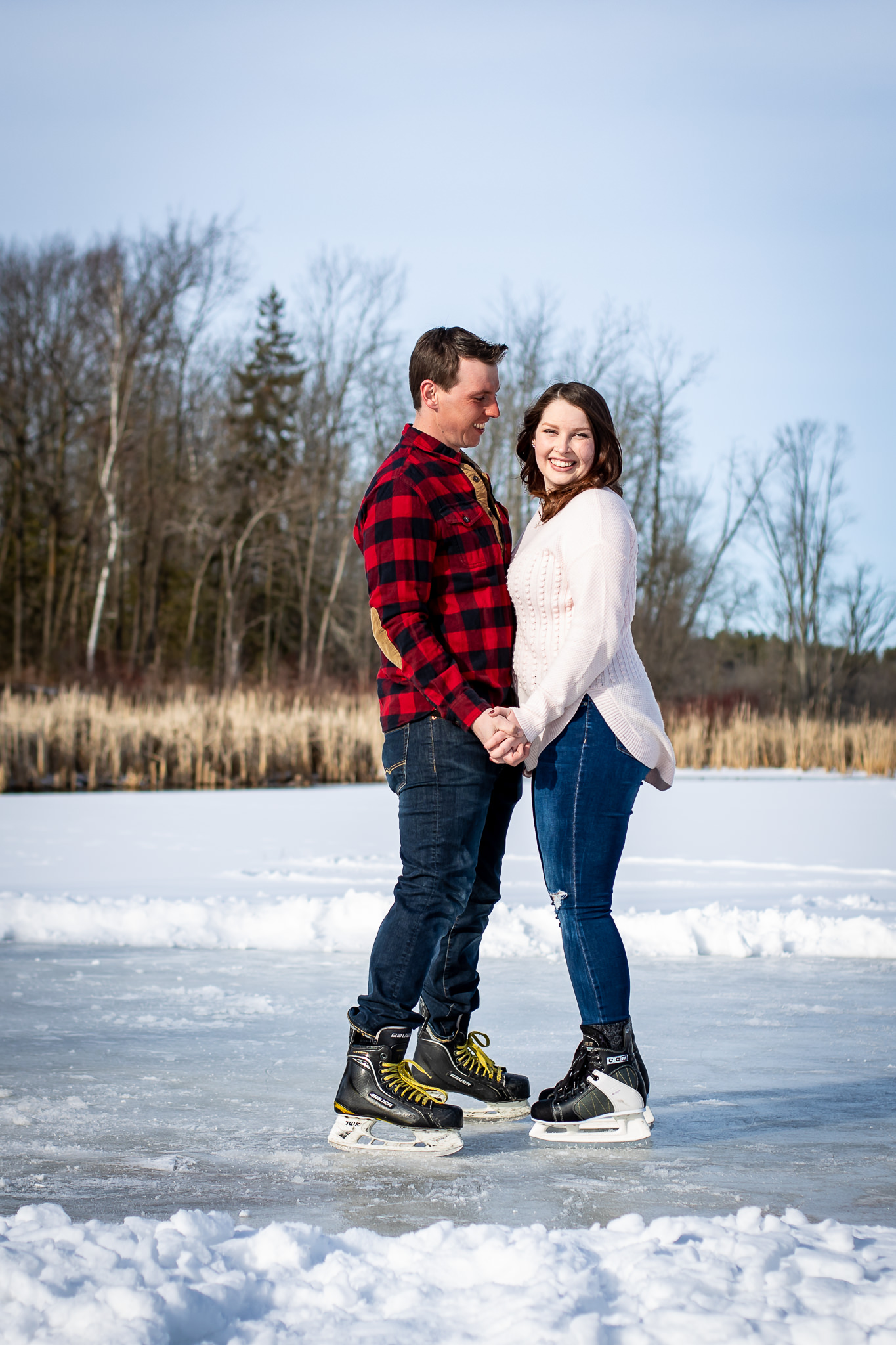 ice-skating-hockey-engagement-photos-6.jpg