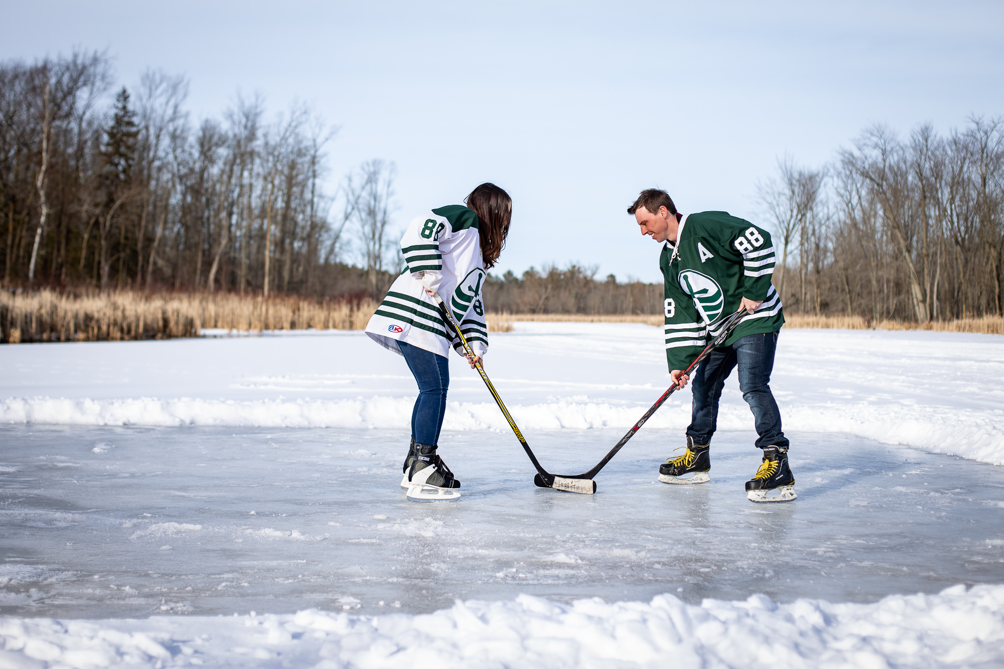 ice-skating-hockey-engagement-photos-7.jpg