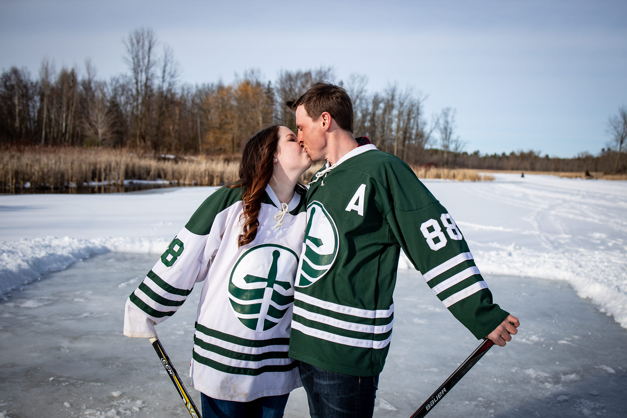 ice-skating-hockey-engagement-photos-8.jpg