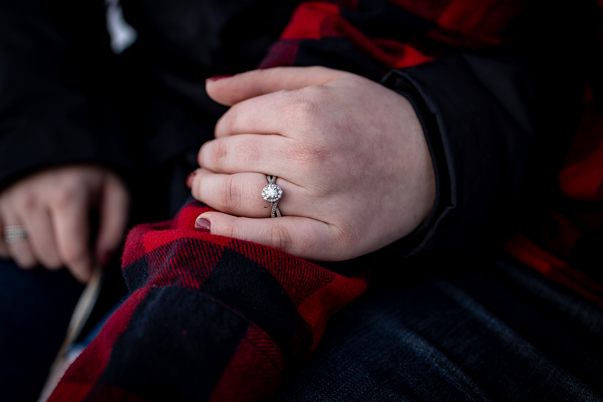 ice-skating-hockey-engagement-photos-13.jpg