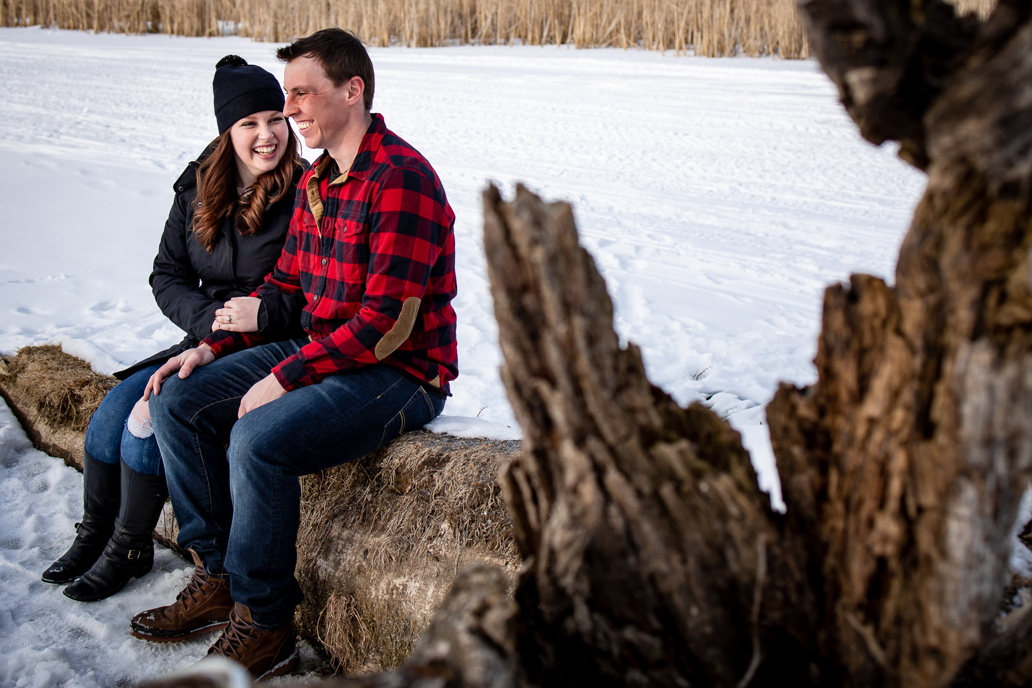 ice-skating-hockey-engagement-photos-14.jpg