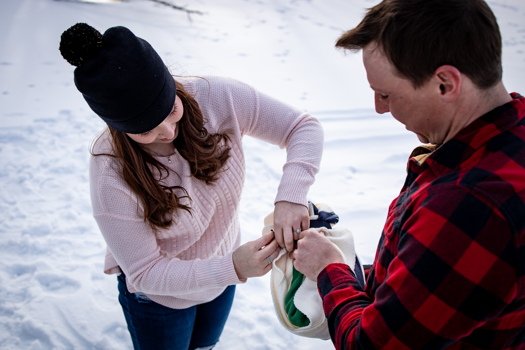 ice-skating-hockey-engagement-photos-18.jpg