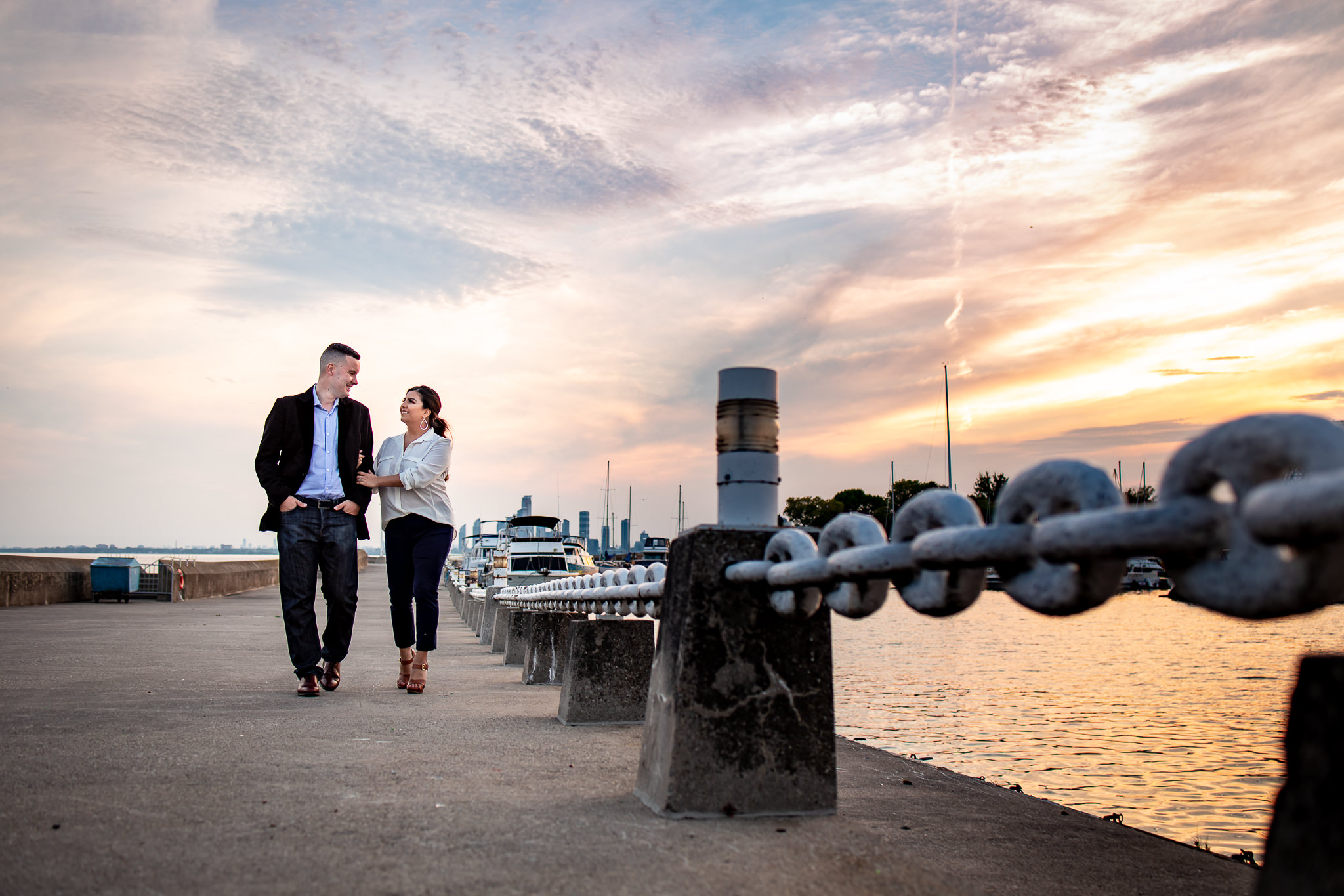 trillium-park-engagement-photos-14.jpg