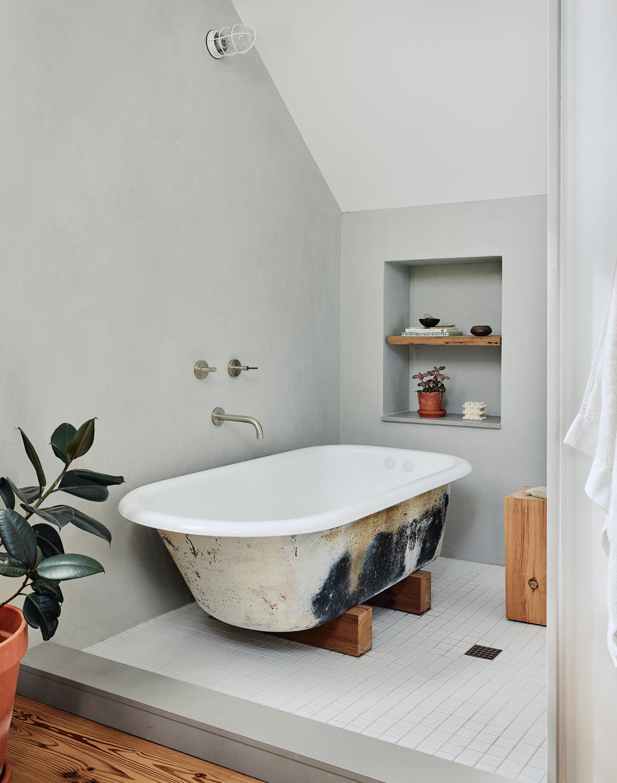 bath161887.jpg