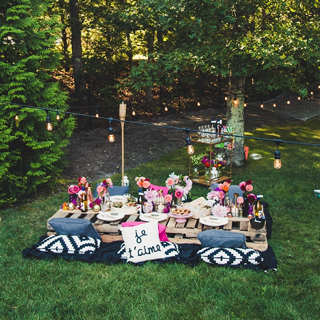 A colorful backyard dinner party - September 2017